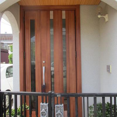 玄関ドア入替